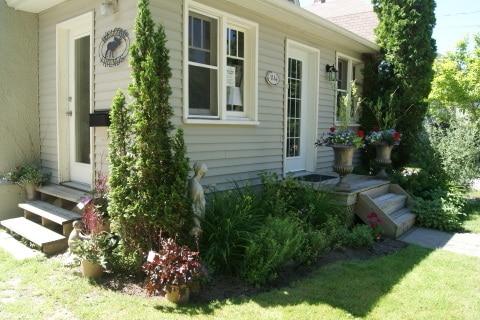 Charming 2bd/2bath Century Home