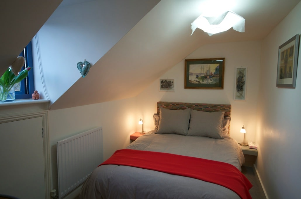 Beautiful cosy attic bedroom with adjoining bathroom