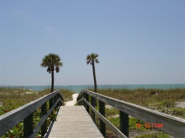 Beach side GREAT LOCATION!
