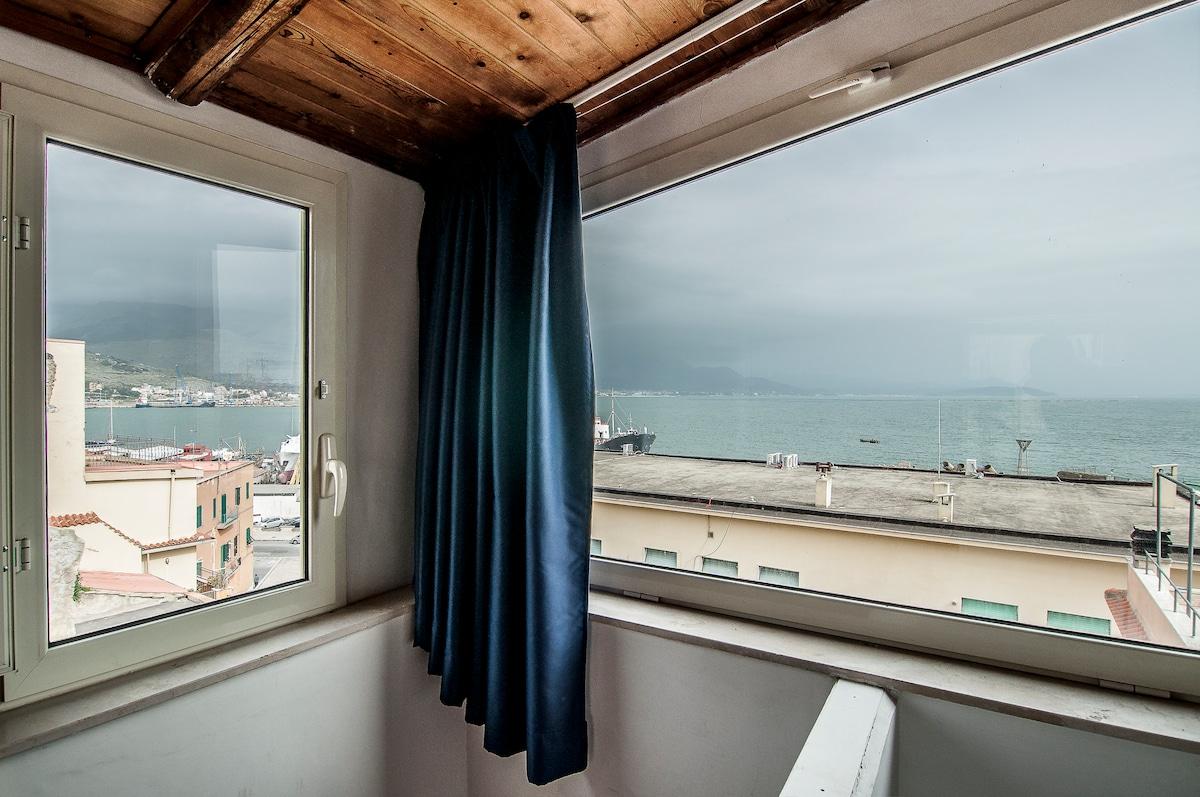 la vista dalle finestre dell'ultimo piano