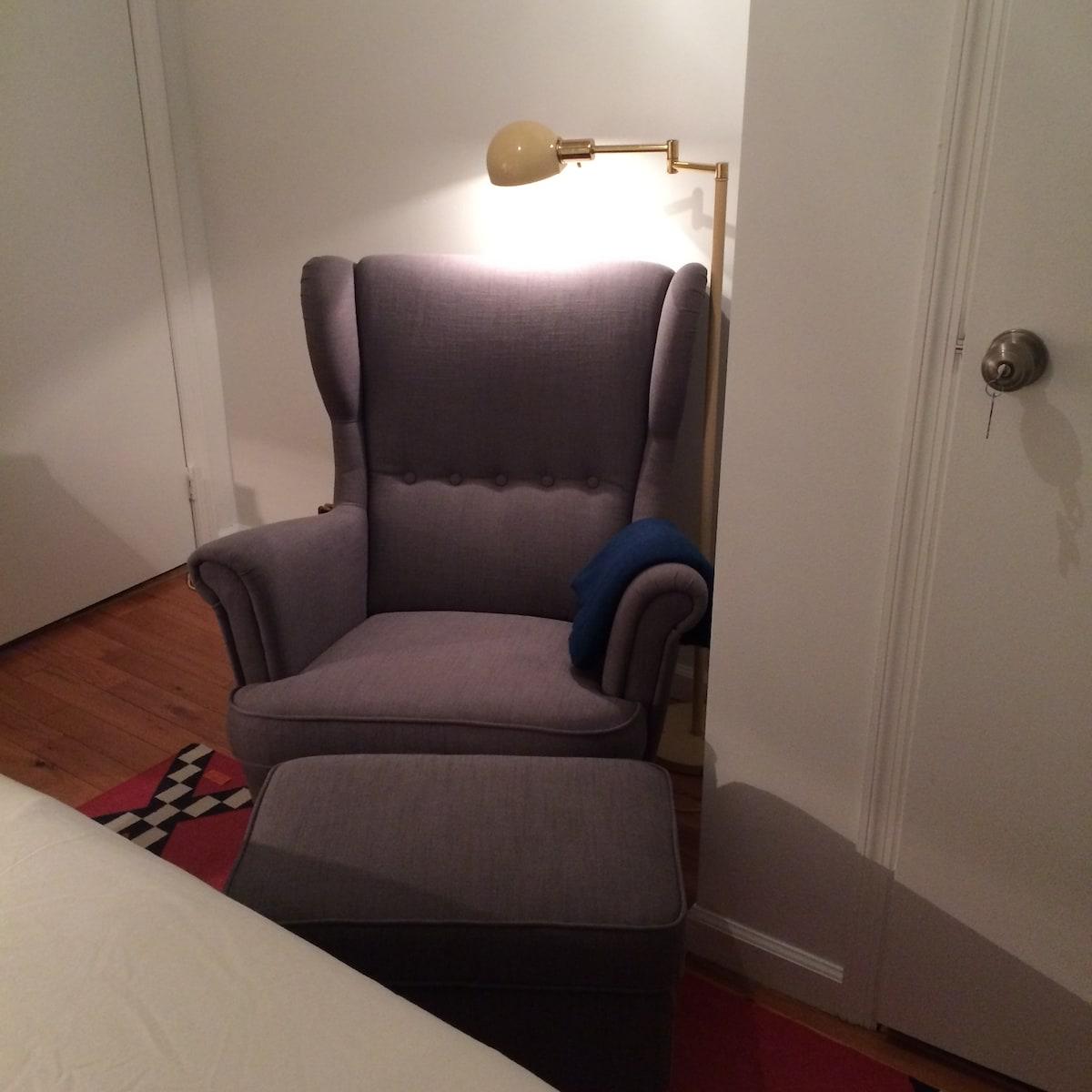 Quant Apartment in Williamsburg!