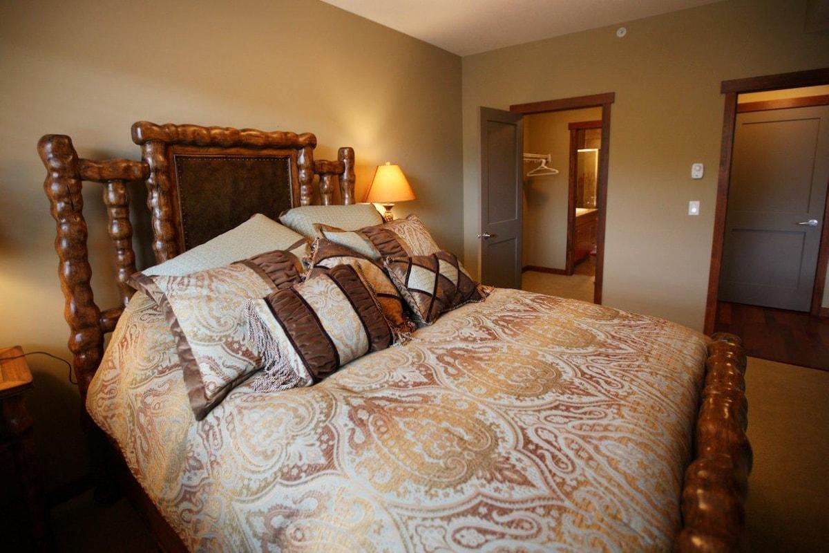 Master bedroom. With view to walk in wardrobe and en-suite bathroom