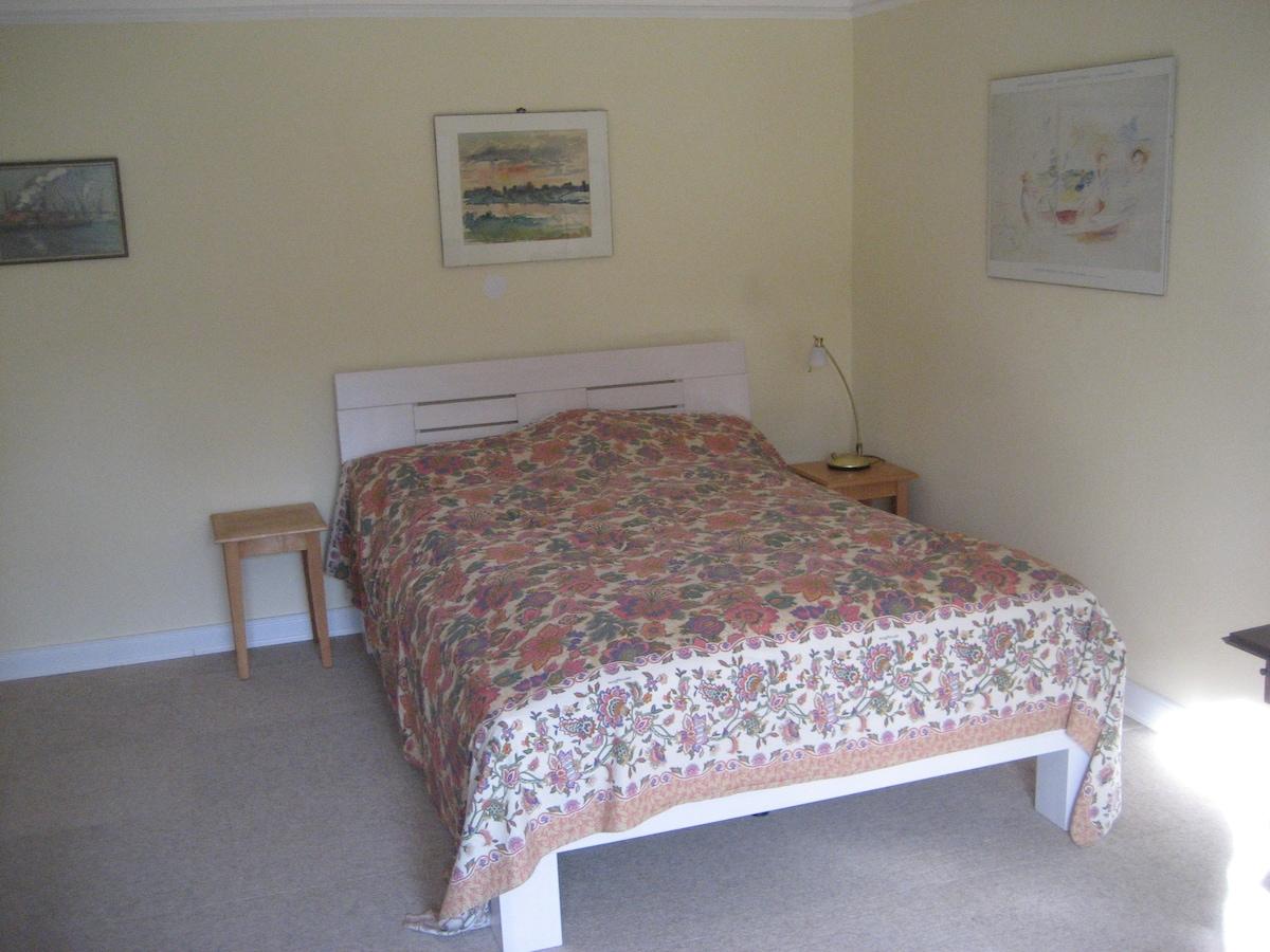 Das gemütliche Bett 140 x 200 cm.