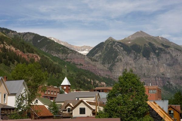 Stay like a local in Telluride