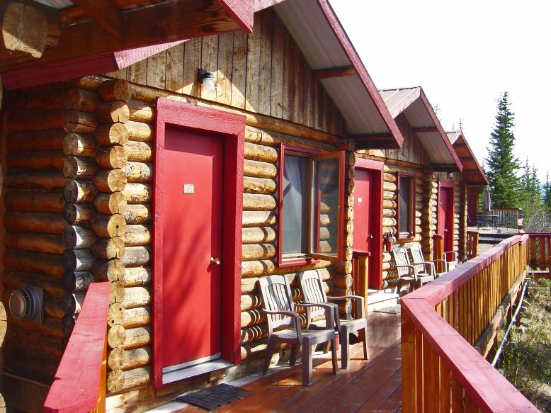 Log Cabin w/ view & 2 full beds