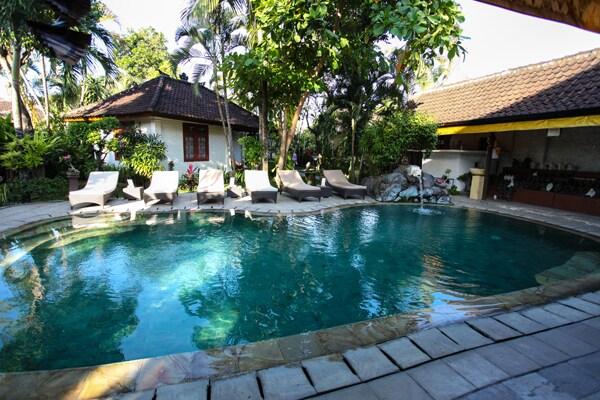 Quiet room inside peaceful homestay