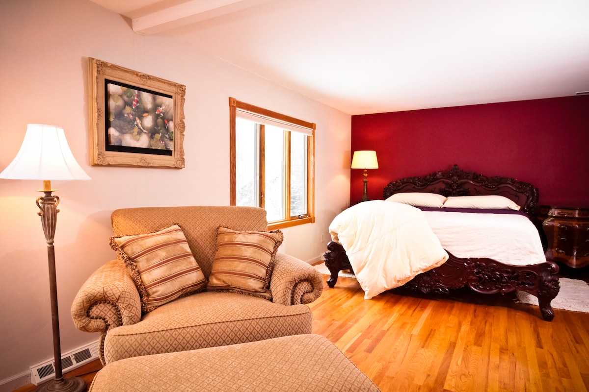 King Bedroom created from 2 rooms, has new luxury mattress and blackout shades