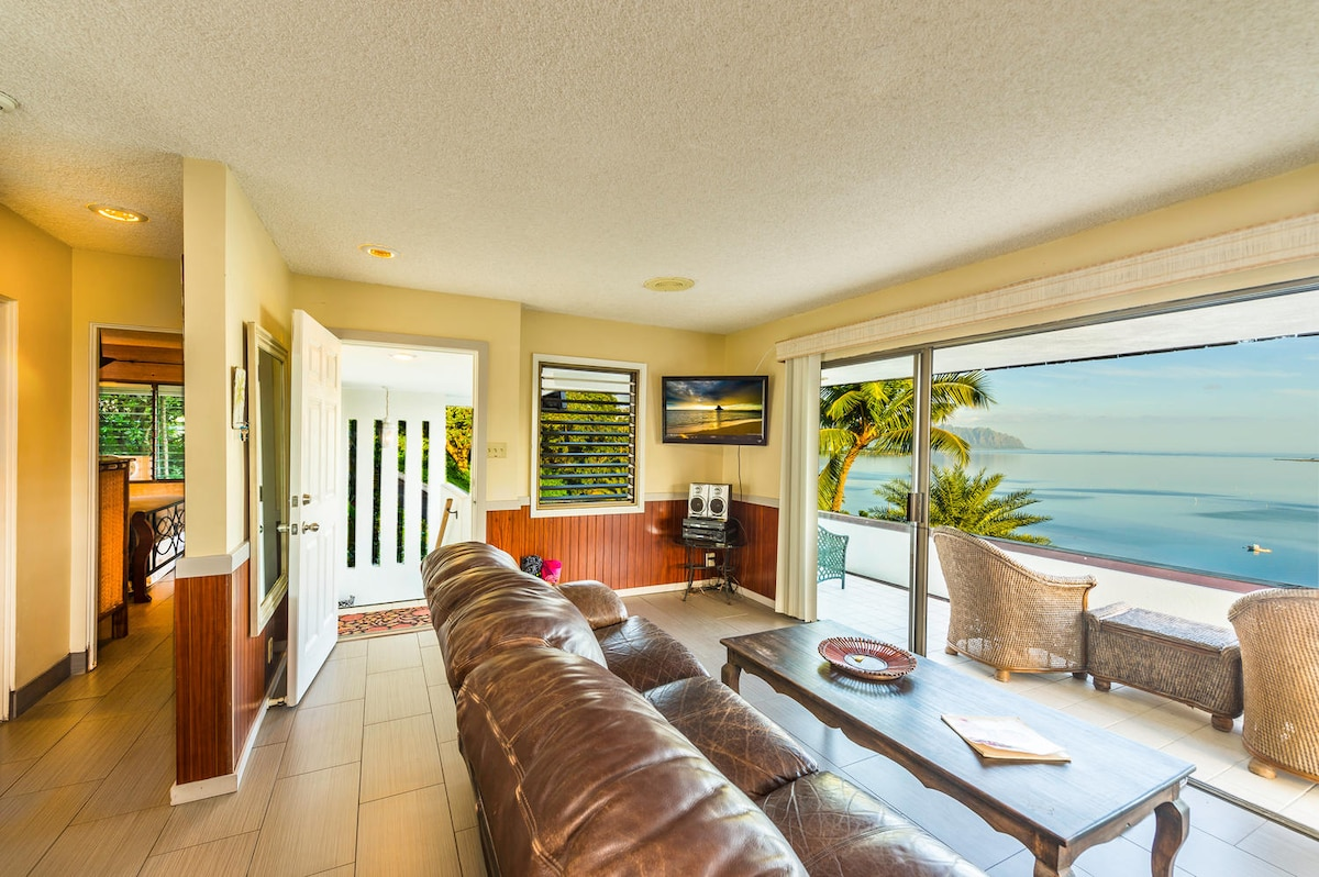 Living room has a wonderful Ocean View