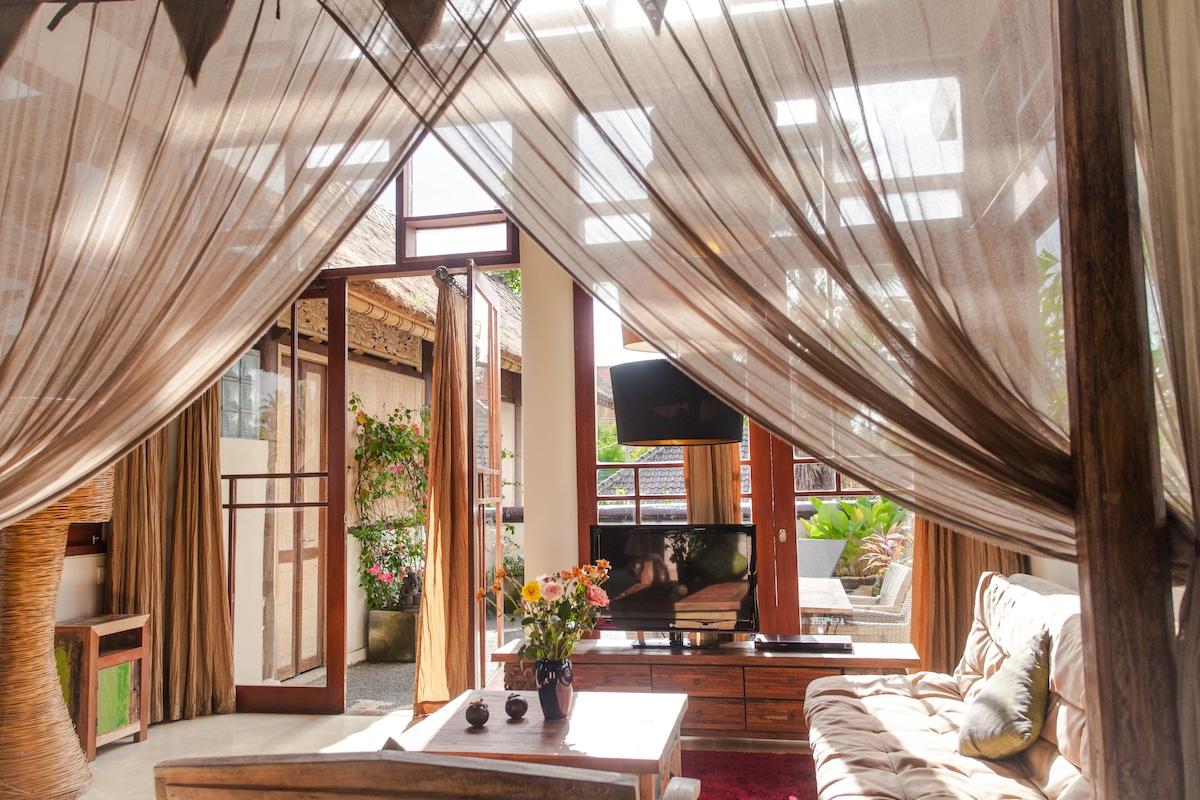 Stunning 3 Bedroom Designer Suite!