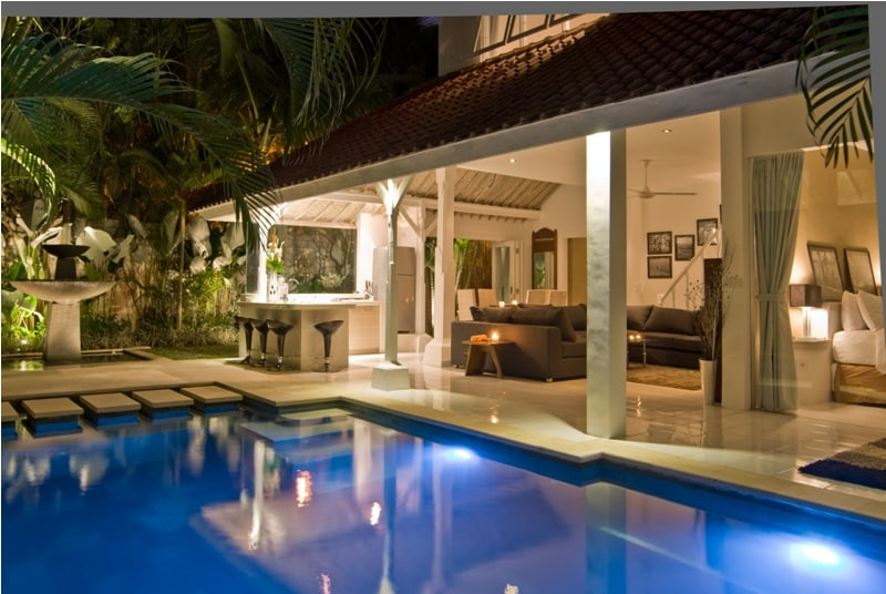 3 bedrooms seminyak villa (6) guest