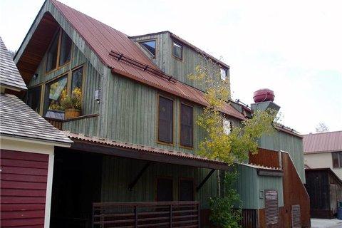 Elk's Park House