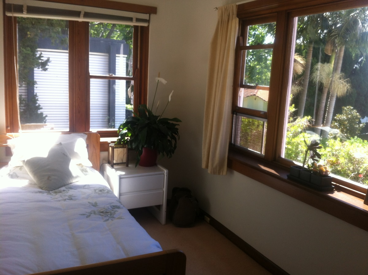 Single Sea view room in Parsley Bay