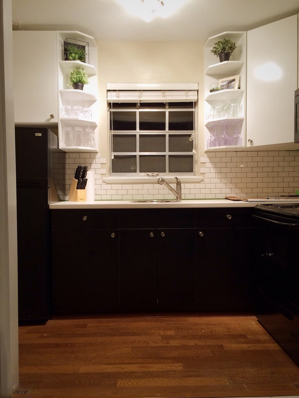 All new, fully stocked, kitchen with refrigerator, microwave, stove, Keurig and a wine opener. All you need is food...and wine!