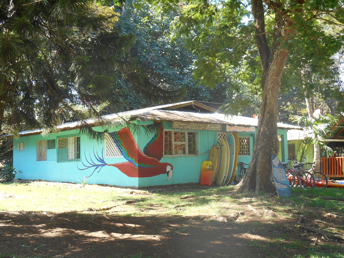 Clear River Hostel & Rentals.