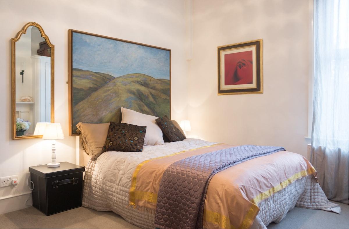 Victorian Room - sleeps 2