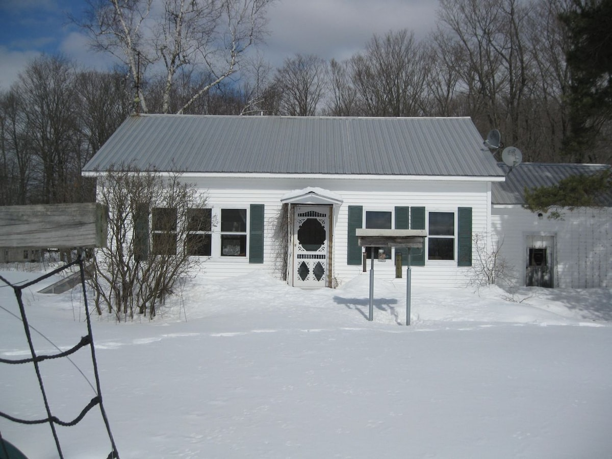 Here's the cottage in winter!