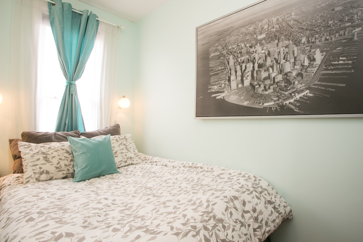 The guest bedroom - cozy, indeed!