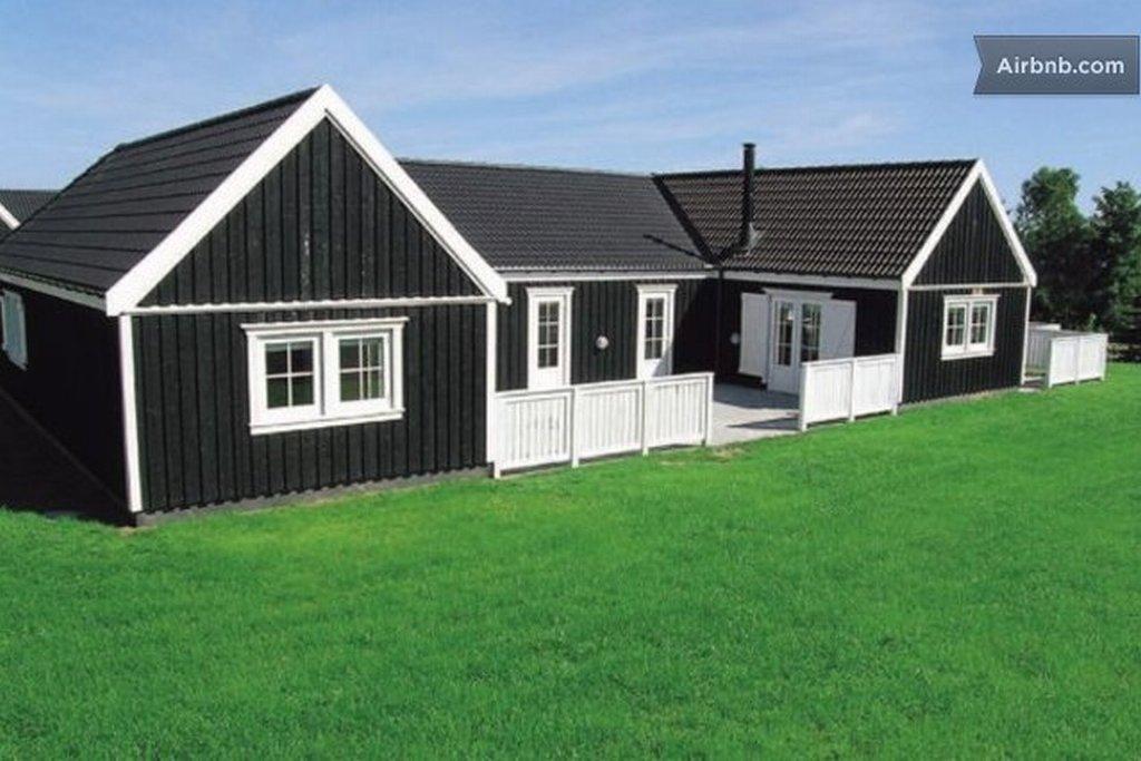 Pool summer cottage near Copenhagen