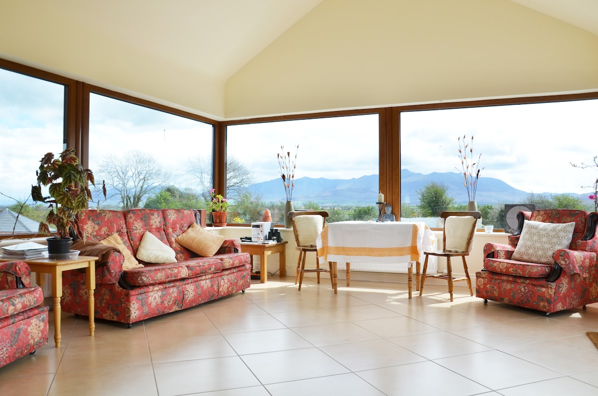 Conservatory - gorgeous views of landscape