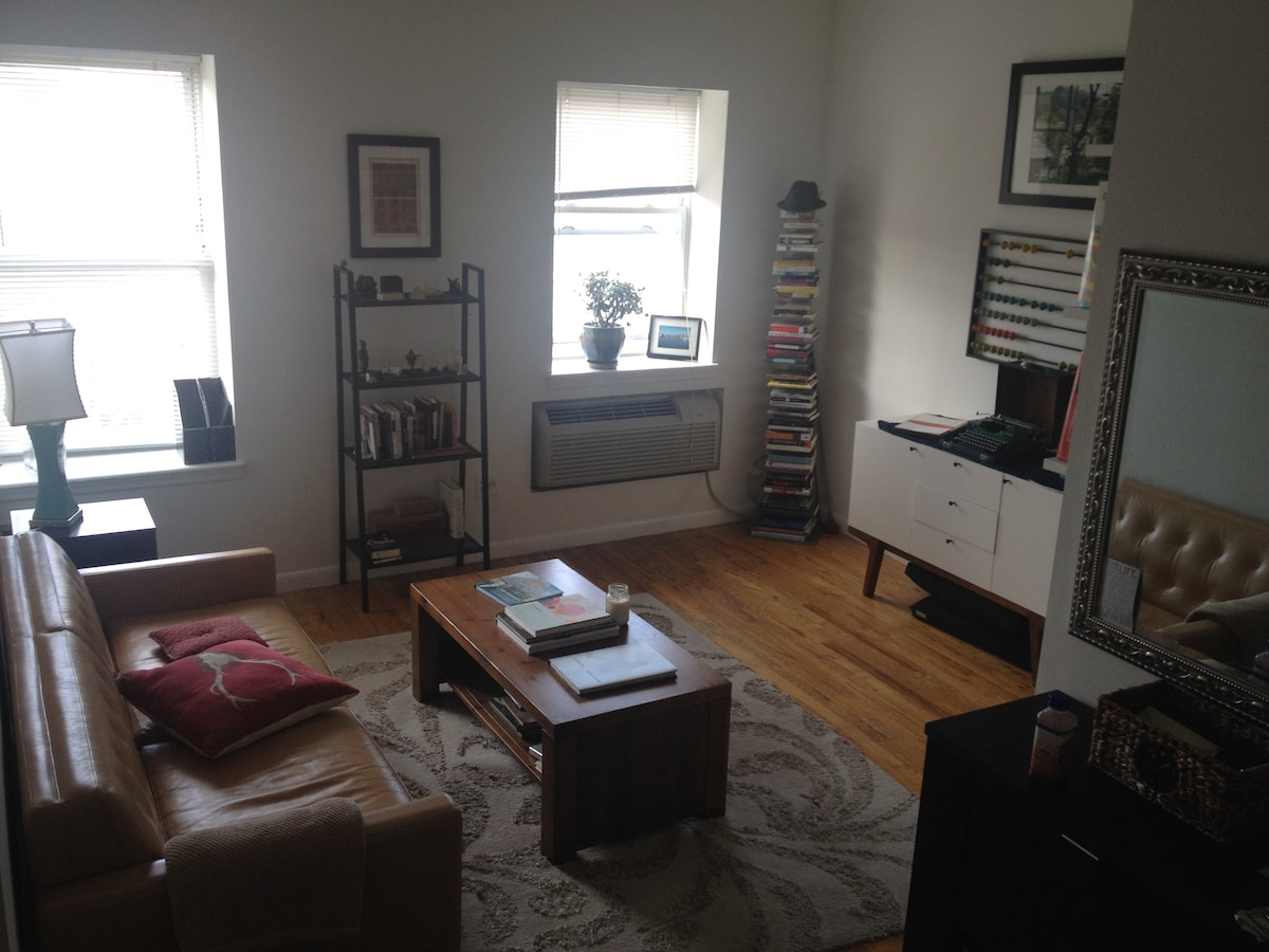 Sunny One Bedroom in Cobble Hill