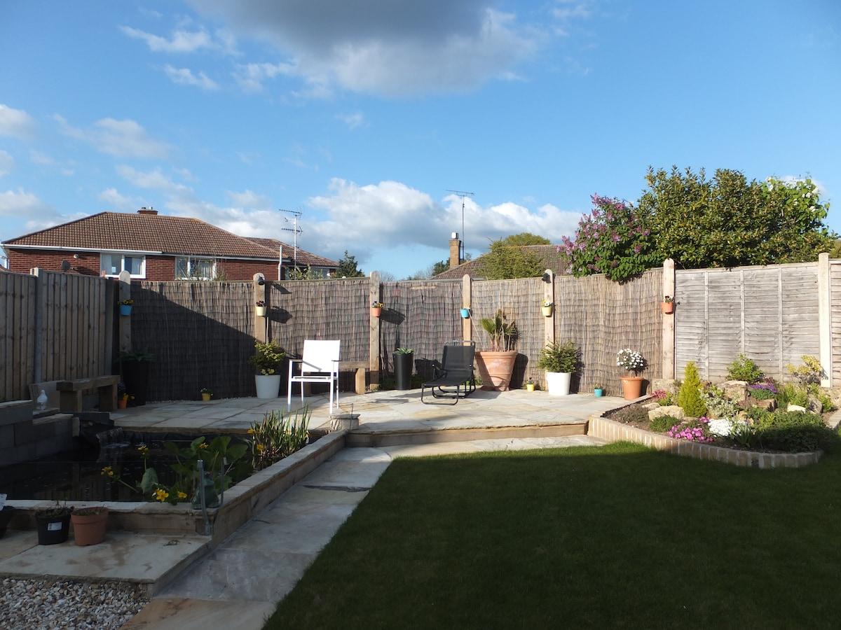 Quiet bungalowLarge private garden