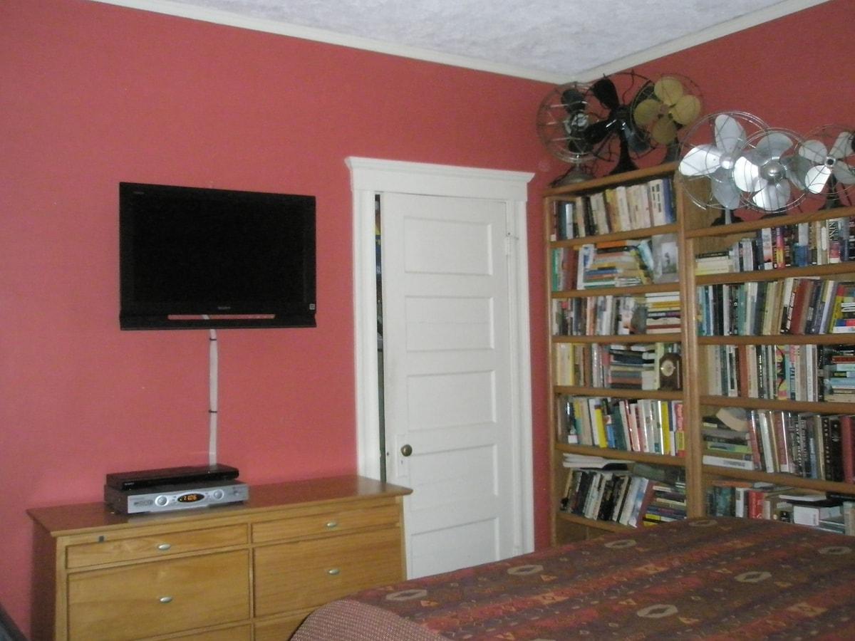 Flat Screen HD TV