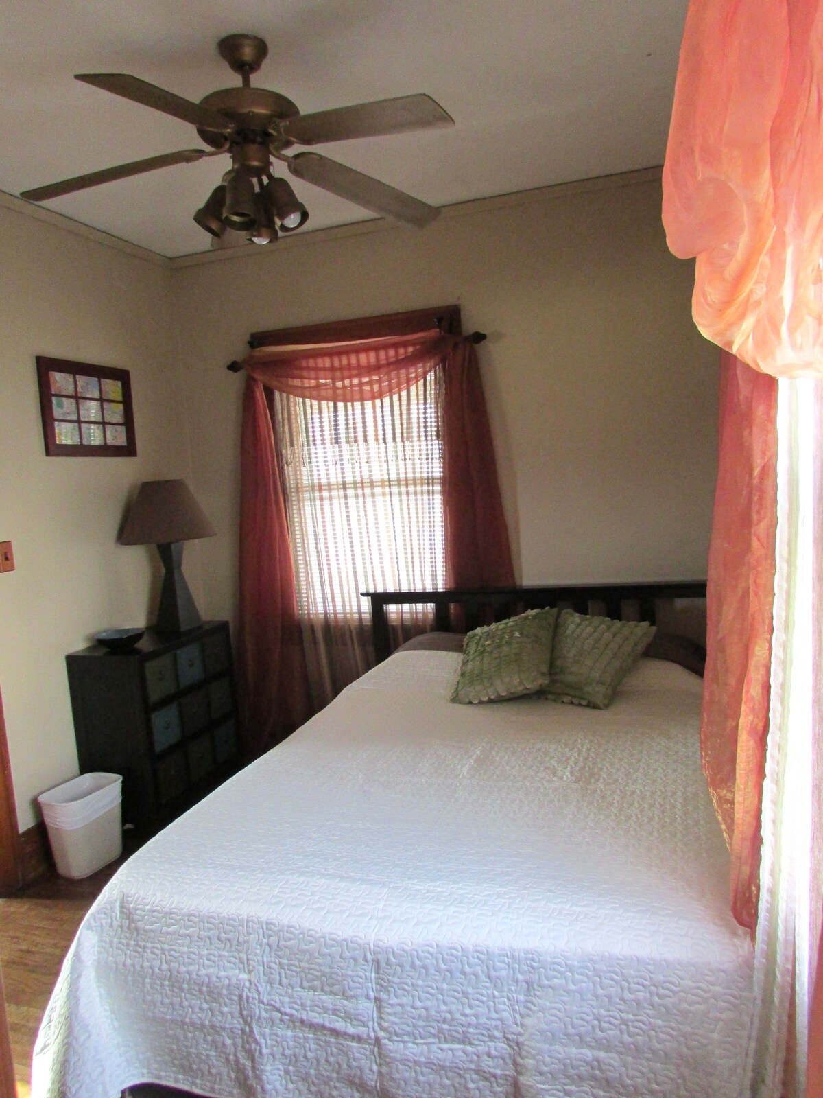 Cozy Comfortable Room Near Downtown