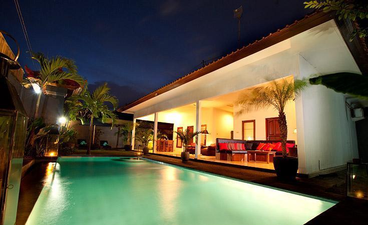 Villa June, luxury B&B Seminyak