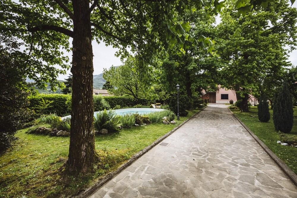 Casa nel verde della toscana a piano di coreglia - Piano casa toscana ...