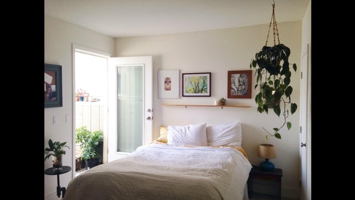 Sunny, private room/bath in Potrero
