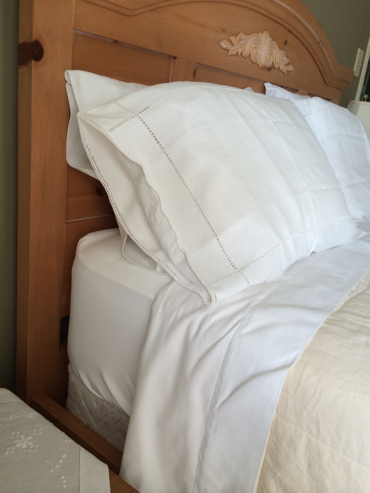Nicely ironed white sheets!