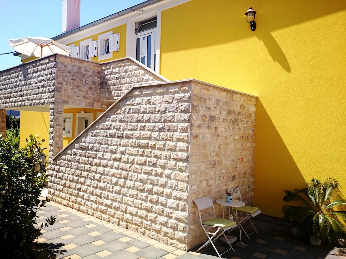 BOOK my SUNNY Zadar City Apartments...