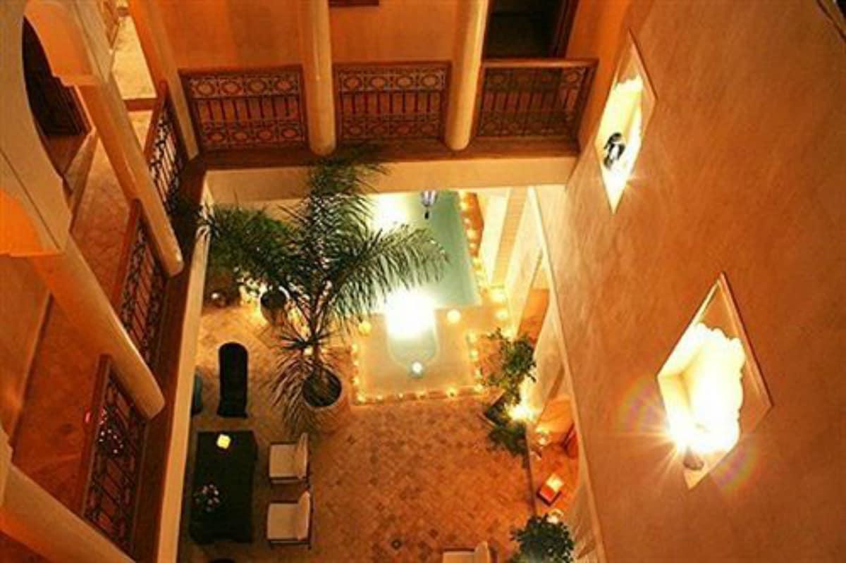 Riad AMRA 6 chambres + piscine