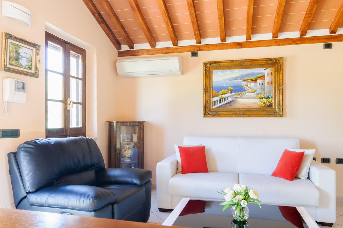 Magnificent Tranquil Tuscan Villa