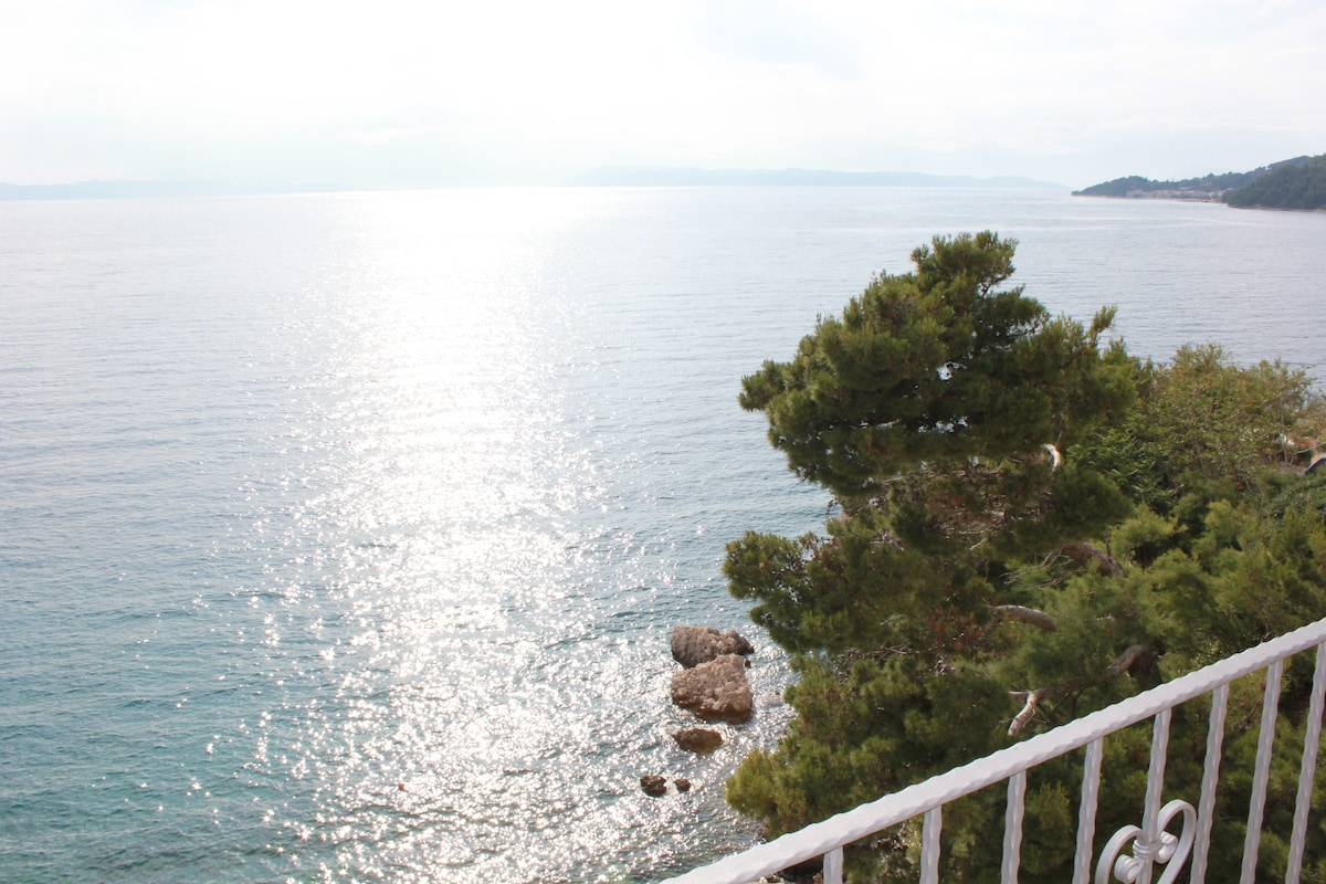 Apartm.PETRA for 2+1 with sea-view