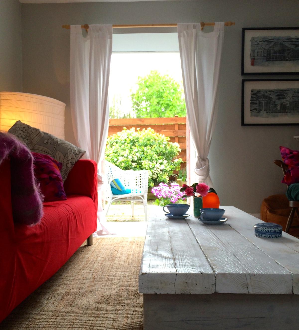 Kilkenny cottage. Charming - cosy
