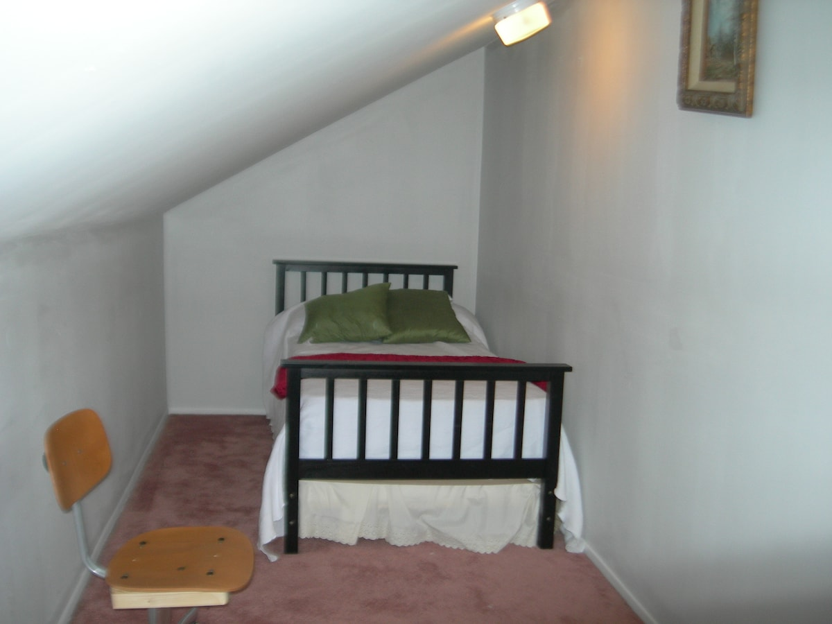 We also have two twin beds suitable for the children, one bed on each side of the loft.