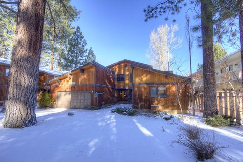 Large Lakefront Home with Hot Tub