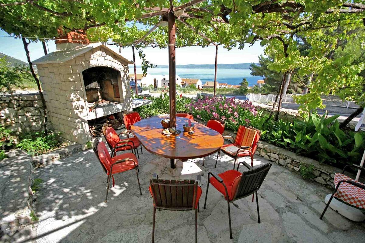 Cozy Attic with Terrace & Sea View