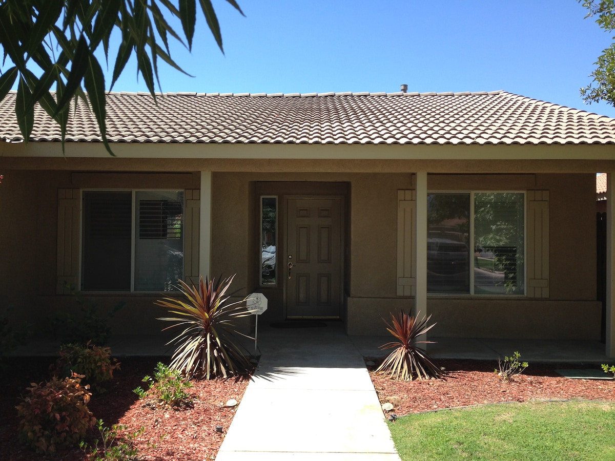 3 bedroom home close to everything!