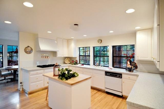 Gourmet Kitchen. Has everything you need