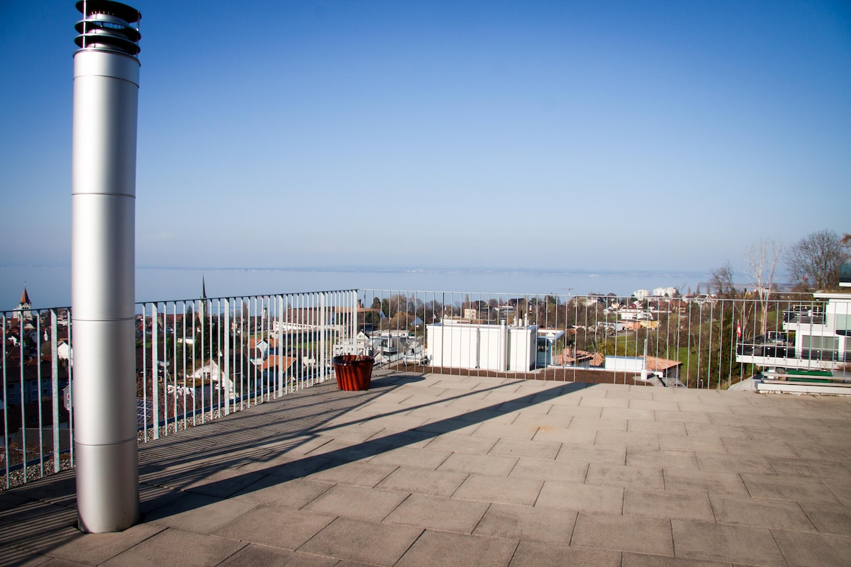 Modern home & views of 3 countries