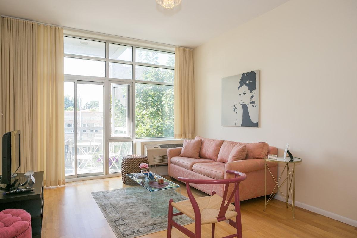 Modern Stay in Brownstone Brooklyn