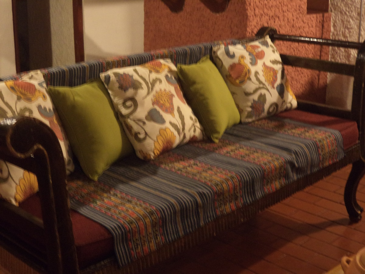 #1 FURNISHED 2 BR COTTAGE WI-FI+TV