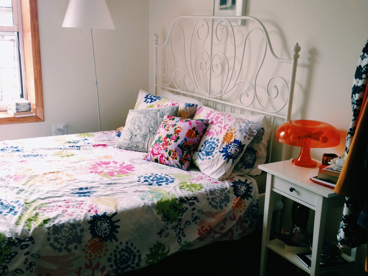 Brooklyn bedroom w/private bathroom