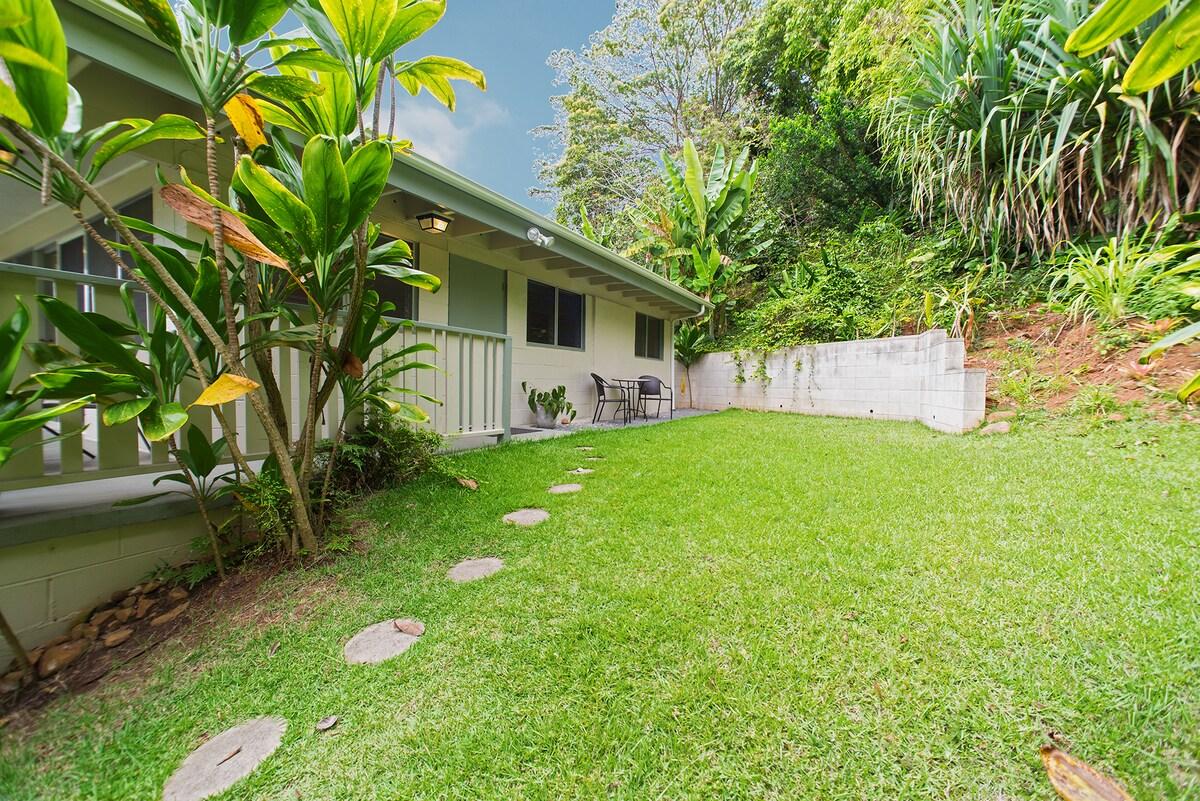 Rainforest Jungle Cottage