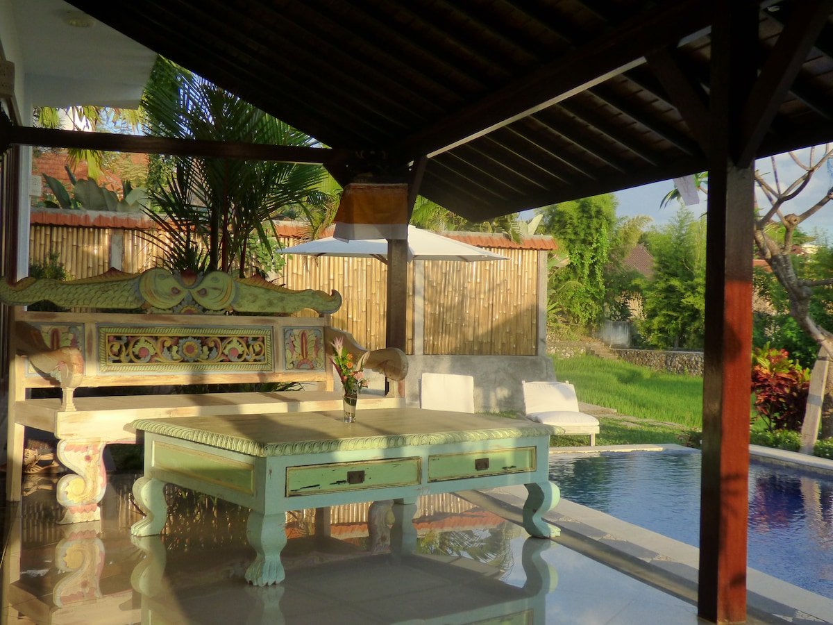 relax in typical Bali style furniture