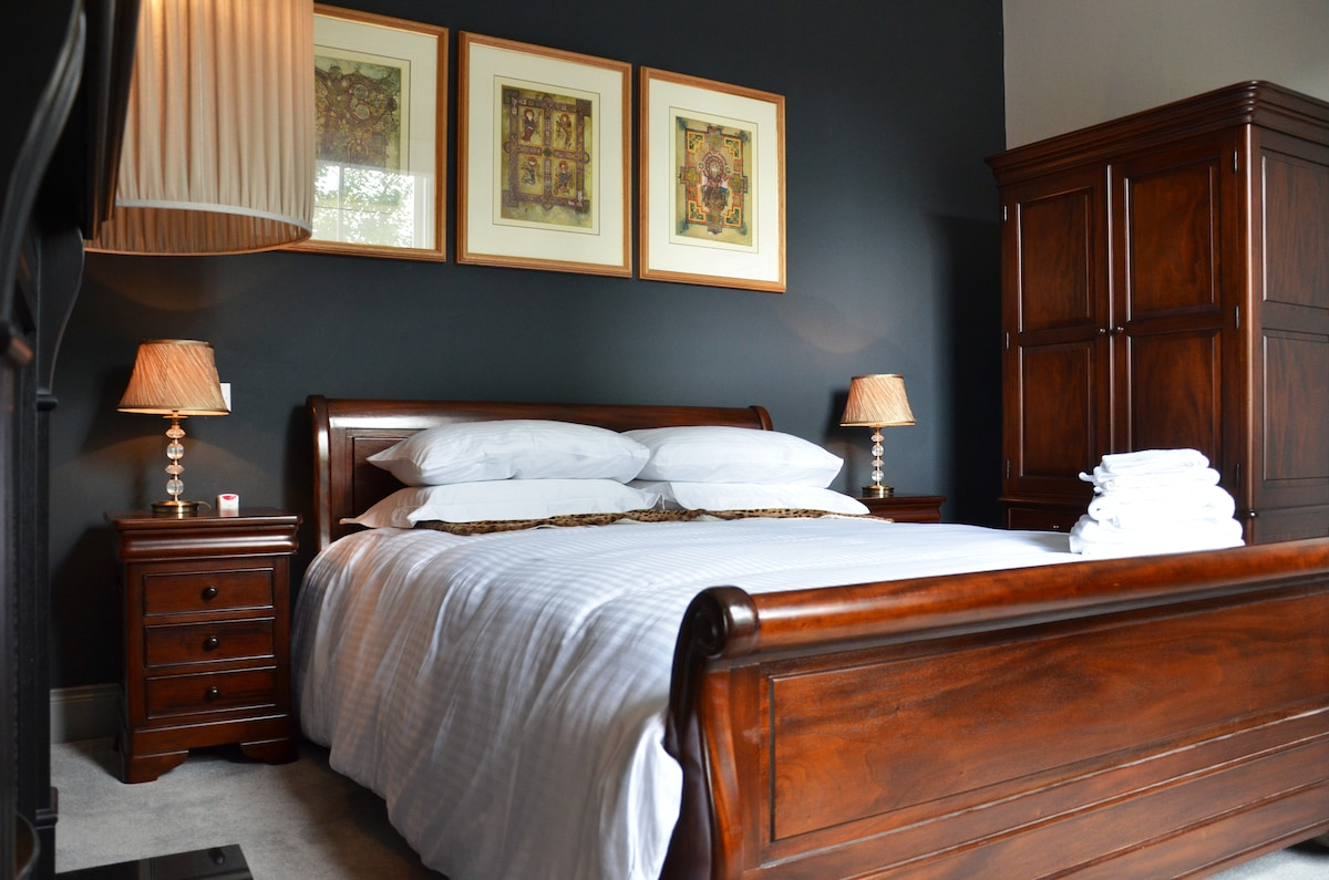 Master bed with king size double bed