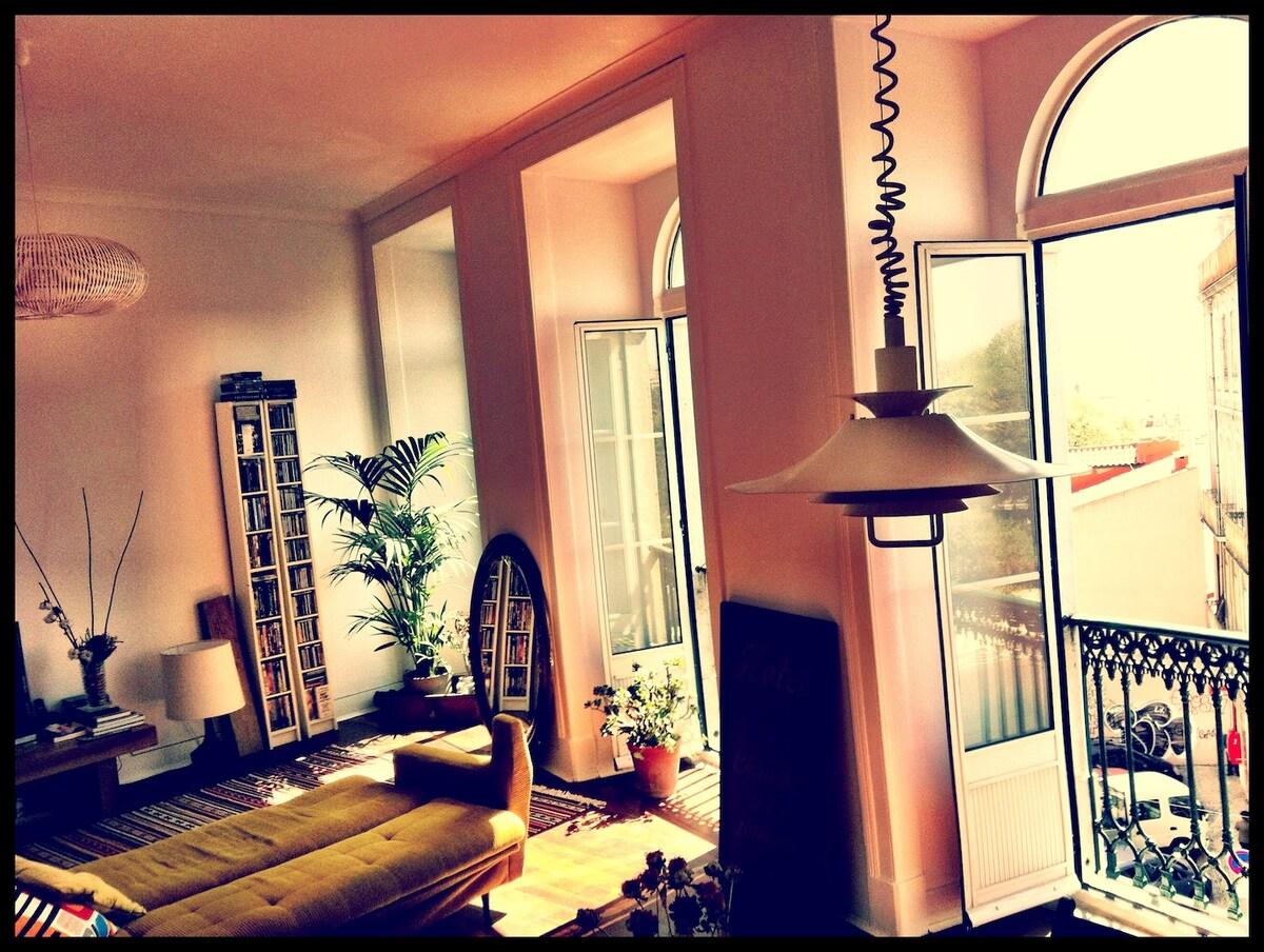 Heart of Lisbon!! Amazing room!!