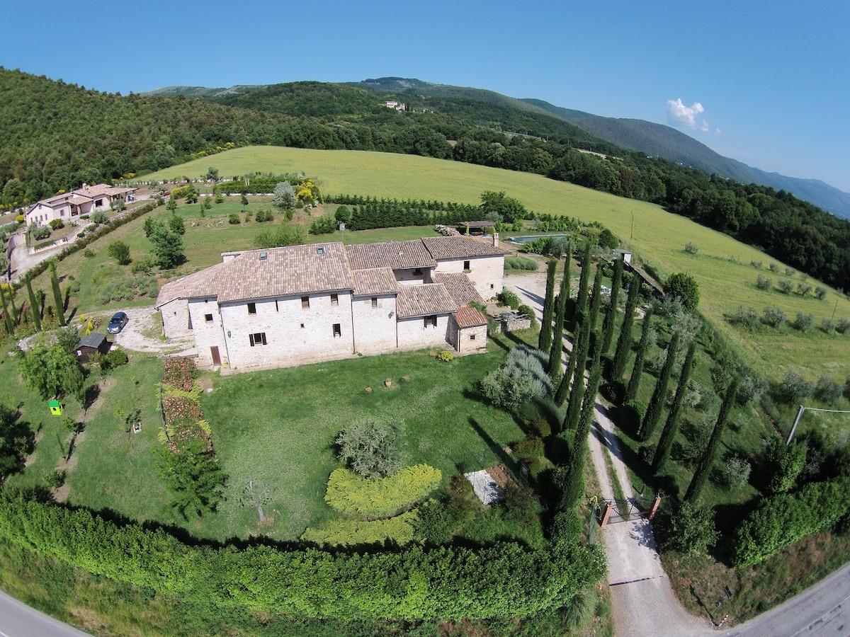Ancient farmhouse in Umbria - Blue